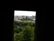 su_e_giu_per_il_castello13